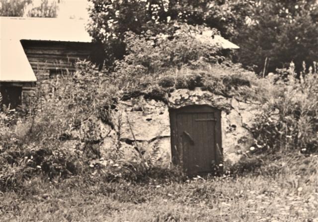 Kivikellari