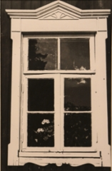 Arposen talon ikkuna