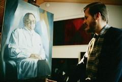 Taiteilija työn ääressä