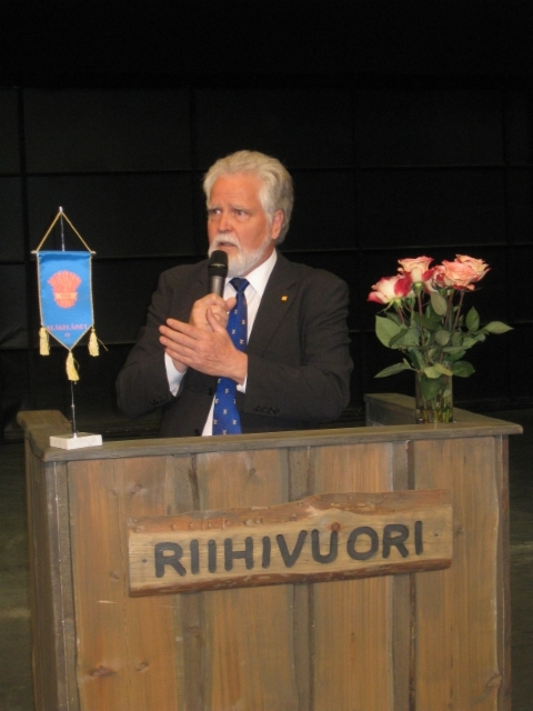 Juhlapuhuja Martti Korhonen