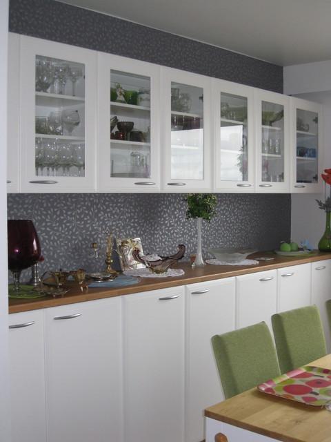 Keittiön tyhjä seinä sai uuden elämän Alaosa tehtiin 1100 mm 'piironkiko