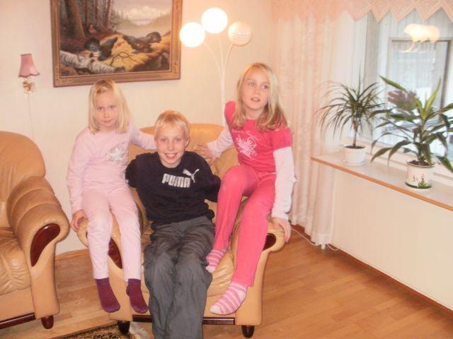 Nuoria Tampereelta: Katariina, Elias ja Johanna Kauranen