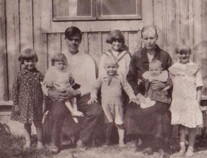 Kalle ja Elma perheineen vuonna 1932