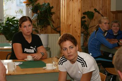 toimitsijoiden ja talkoovaen kahvitilaisuu 9.9.2010 sammolla -12