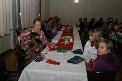 katajaisten vuosi- ja pikkujoulujuhla sammolla 12.11.2010 -58