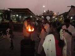 Pyhä tuli 1.  Sacred fire.   Tiruvannaamalai 2.3.  Kuva S.P.