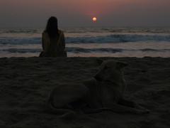 Kaukana.  Far away.  Town Beach, Gokarna 31.1.  Kuva S.P.