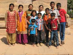 Perhepotretti.  Family portrait.   Pattadakal 22.1.  Kuva S.P.