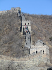 Kiinan muuri luikertelee,   The Great Wall wriggles.   11.3.  Kuva  S.P.