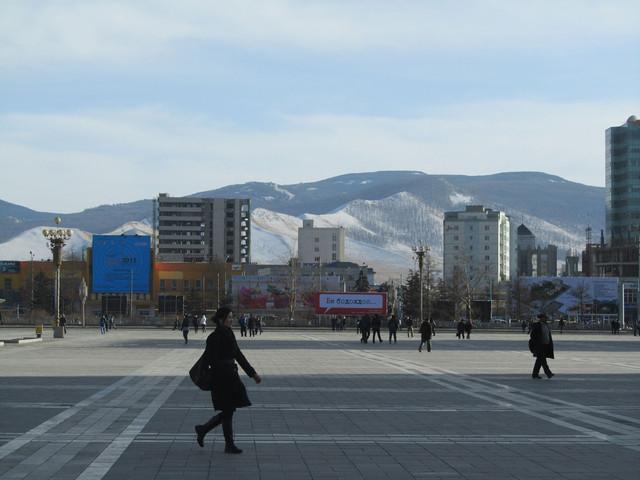 Sühbaatarin aukio.  Sühbaatar square.   Ulaan Baatar  21.3.
