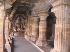 Kalliotemppeli. Cave temple.  Badami 21.1.  Kuva S.P.