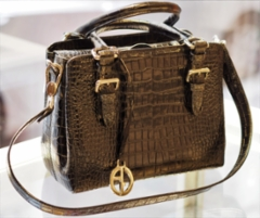 armani-laukku