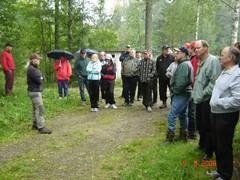 Jäljestysluentoa pitämässä/Spårningsföredrag