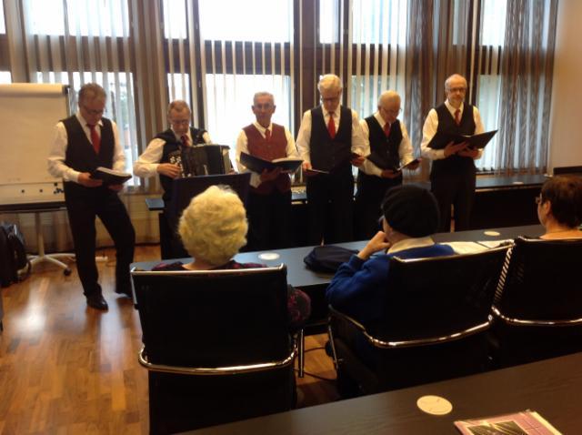 Äitienpäivälaulujen esittäjiä 7.5.2015