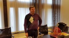 Kaupunginhallituksen ja -valtuuston jäsen Rauno Hekkala porinakerhossa 28.4.2016