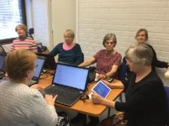 """Opiskeluun syventyneet """"Verkot ja vempaimet""""-kurssilla 26.-27.9.2016."""