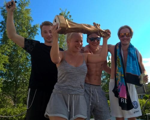 A_Valittu_Tunnariskaba.jpg