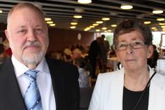 Puheenjohtaja Rainer ja rahastonhoitaja Hildegard Heinonen