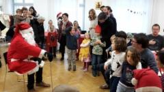 """Kaikki lauloivat """"Joulupukki, joulupukki..."""