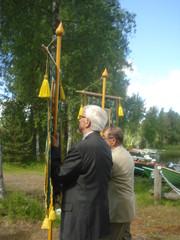 12.6.2013_puheenjohtaja_heikki_jaaskelainen_kirkkolipun_kantajana
