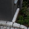 graniittia-talonseinustalla