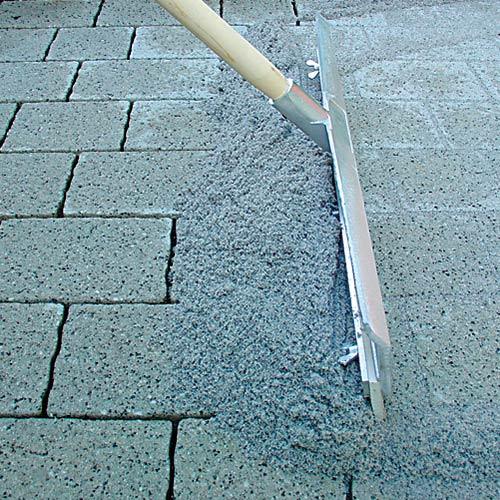 Pihakivien saumaus betonilla
