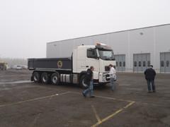 Volvo FMX Xpro valmiina koeajolenkille