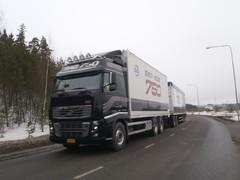 Volvo FH16 750 hv hakeyhdistelmä oli jatkuvassa koeajossa