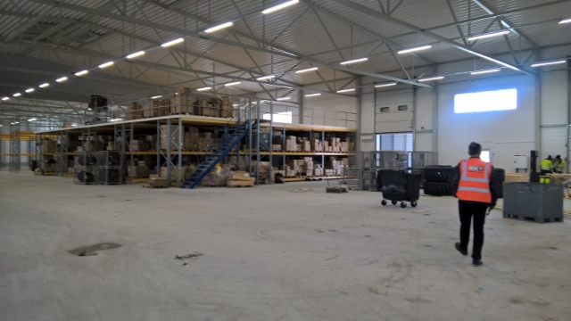 Uudet varasto- ja myyntitilat rakenteilla. Tutustu.