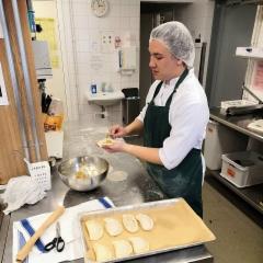 Venäläisten leivonnaisten leipomista