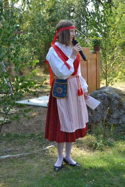 Punkalaitumen kansallispuvun esitteli Maria Kultanen