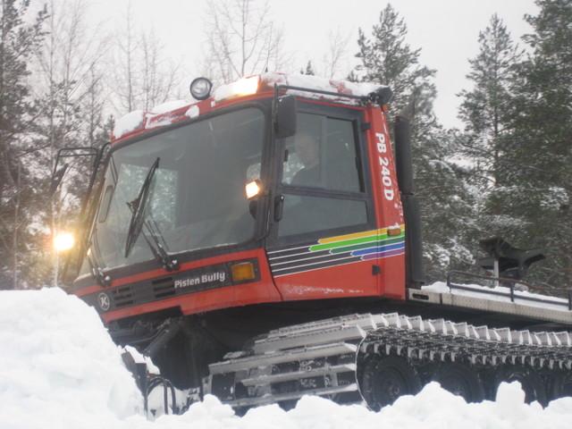 Latukone1, Koneurakointi M Ikonen Oy