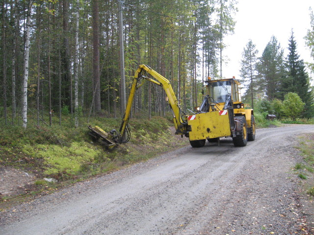 Tienvarsien niitto, Koneurakointi M Ikonen Oy