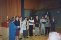 2001 Nokkamäen Korhosten kuoro esiintyy Rautavaaran Metsäkartanossa