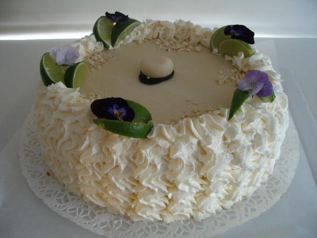 Valkosuklaakakku