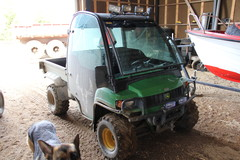 Poikien menopeli, John Deere Gator traktori