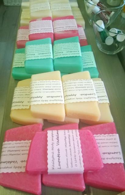 Suihkusaippuoita ihanissa väreissä ja  tuoksuissa
