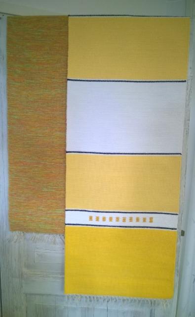 Keltaisia sävyjä