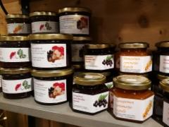 Hunajalla makeutettuja hyytelöitä