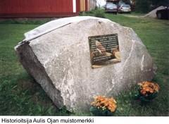 historioitsija-aulis-ojan-muistomerkki