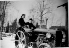 Tiskarlan Pr�t�n ensimm�inen traktori, Fordson 1938.