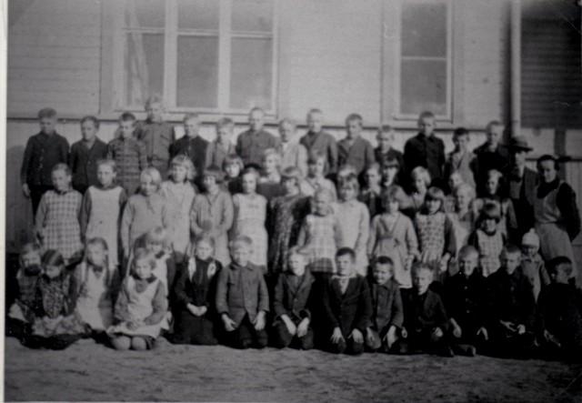 Ylikulman koulukuva 1920- luvulta