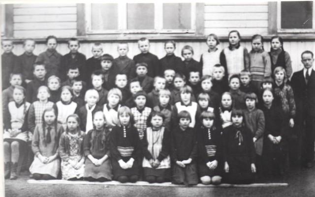 Tunnistamaton kuva Ylikulman koulusta