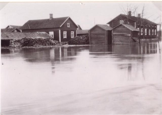 v 1932 tulva Impolan Haalin kohdalla.