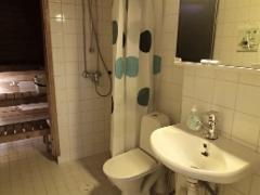 kalustettu_asunto_kolmio_2_tikkurila_kylpyhuone_sauna