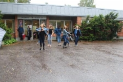 Tapiolan voimistelijat tanssivat sateessa