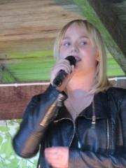 Netta Vahtera, nuorten ykkönen