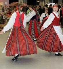 tanssivan_joulukalenterin_luukku_14_v.2013_sarma_2