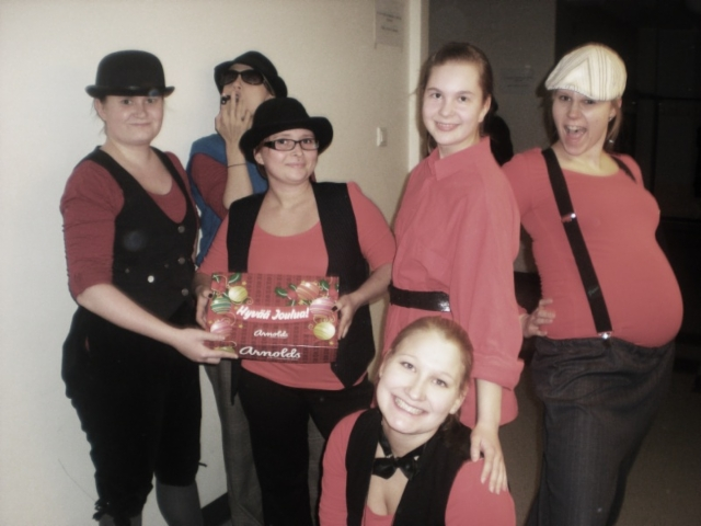 tanssialantuen_joulunaytos_2011_sarma