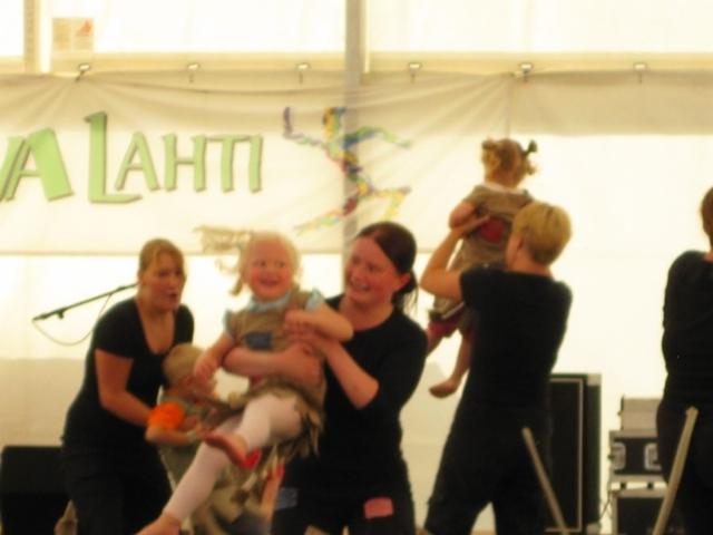 tanssiva_lahti_2010_tomerat